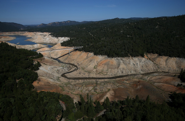 Sequential Series「Statewide Drought Takes Toll On California's Lake Oroville Water Level」:写真・画像(7)[壁紙.com]