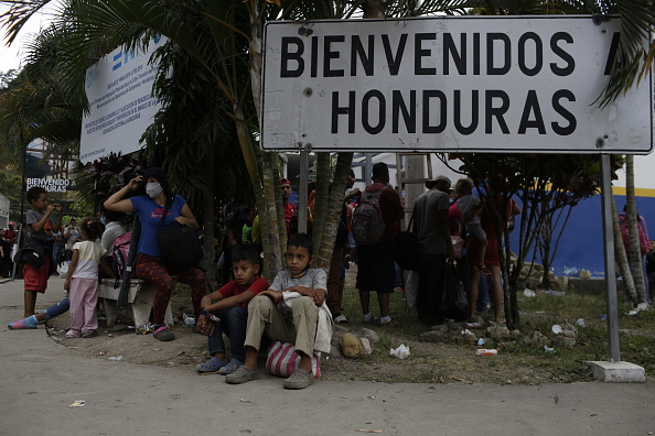 Honduras「Migrant Caravan Detained in Guatemala On Its Journey To The U.S.」:写真・画像(5)[壁紙.com]