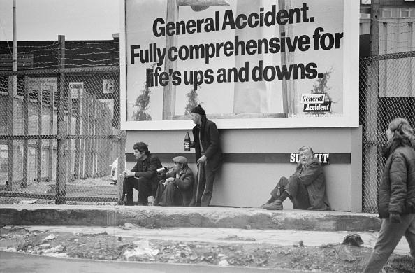 Insurance「Life's Ups And Downs」:写真・画像(19)[壁紙.com]