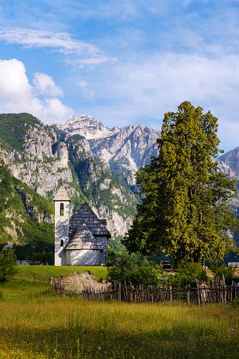 Albania「Albania, Shkoder County, Albanian Alps, Theth National Park, Theth, Catholic Church」:スマホ壁紙(15)