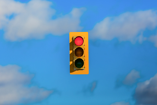 Digital Composite「Stoplight floating in sky」:スマホ壁紙(9)