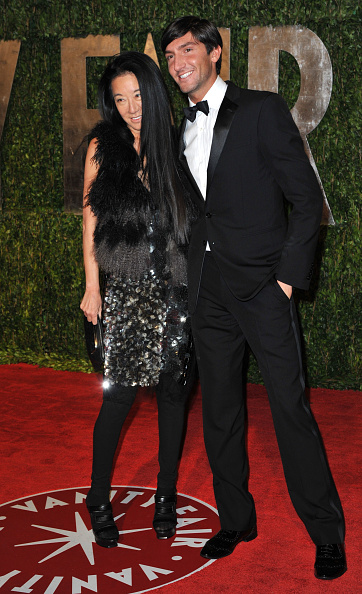 エヴァン ライサチェク「2010 Vanity Fair Oscar Party Hosted By Graydon Carter - Arrivals」:写真・画像(2)[壁紙.com]