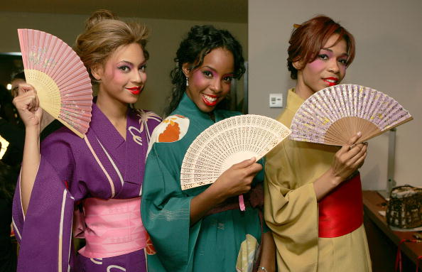 着物「Destiny's Child On Tour 'Destiny Fulfilled..And Lovin It' - Backstage」:写真・画像(18)[壁紙.com]