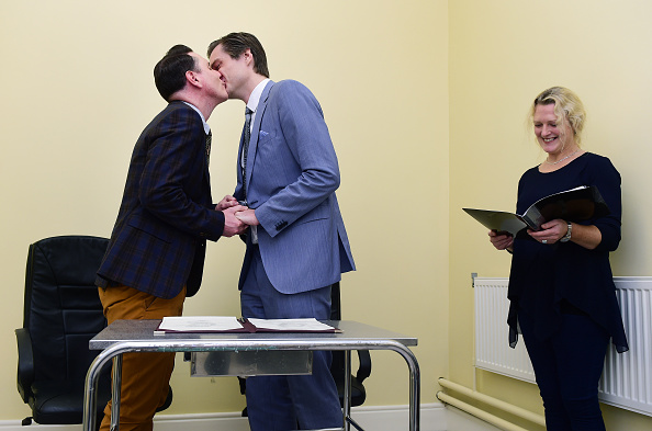 Small Office「First Same Sex Marriage Takes Place In Ireland」:写真・画像(0)[壁紙.com]
