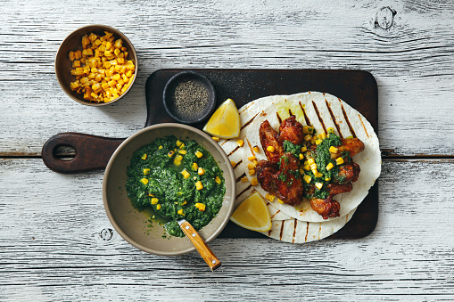 Taco「Grilled chicken wings with green chilli and corn salsa」:スマホ壁紙(7)
