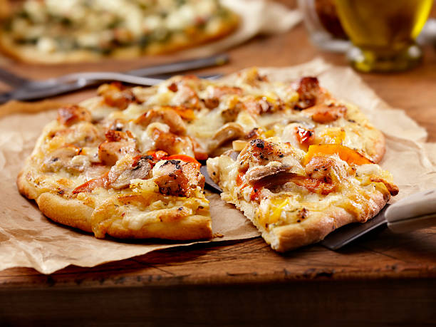 Grilled Chicken and Roasted Pepper Pizza:スマホ壁紙(壁紙.com)