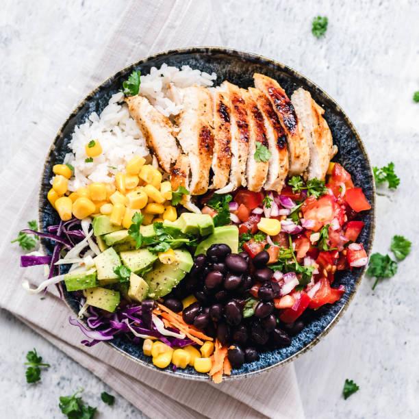 Grilled chicken and rice salad bowl:スマホ壁紙(壁紙.com)
