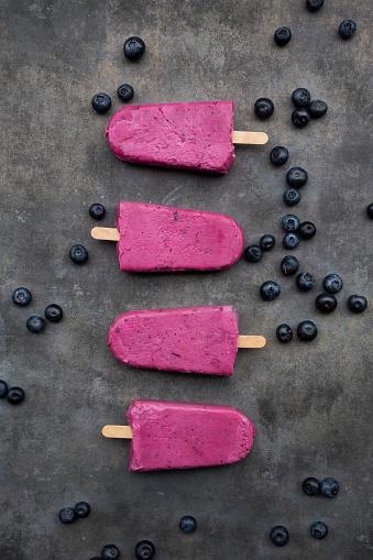 Blueberry Ice Cream「Row of four blueberry popsicles」:スマホ壁紙(2)