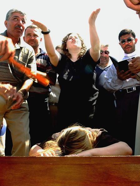Clear Sky「Iraqi Christians Continue To Bury Relatives」:写真・画像(17)[壁紙.com]