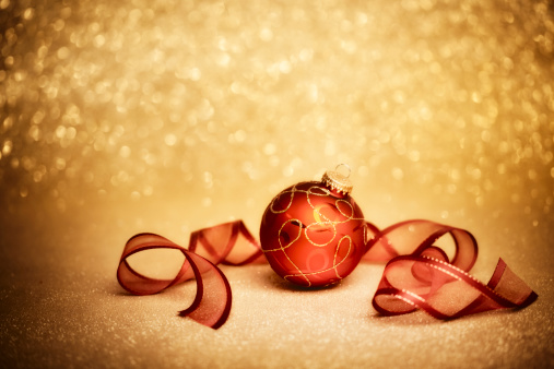 Gold Colored「Red Christmas Ornament」:スマホ壁紙(7)