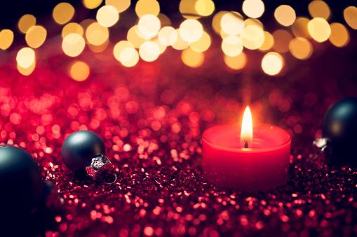 季節「赤のクリスマスキャンドルライトの装飾ゴールドボケデフォーカス」:スマホ壁紙(5)