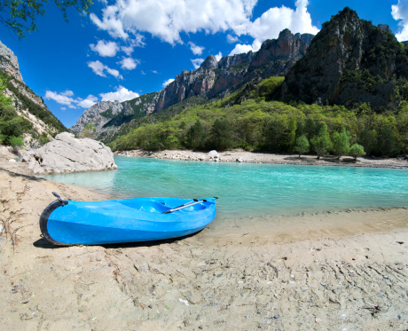 Provence-Alpes-Cote d'Azur「Blue Canoe on the River(XXL)」:スマホ壁紙(14)