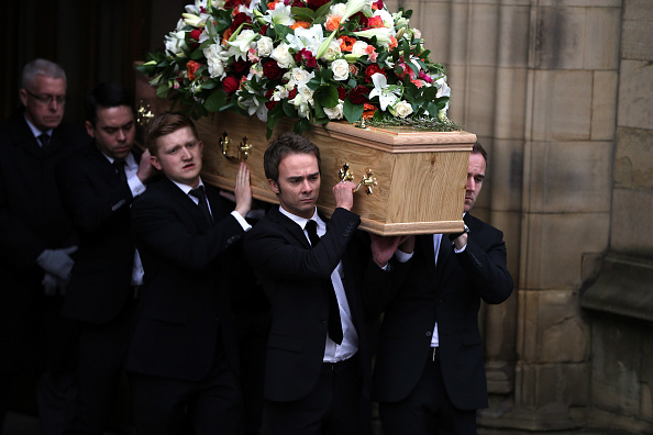 Scriptwriter「Funeral Of Coronation Street Scriptwriter Tony Warren」:写真・画像(11)[壁紙.com]
