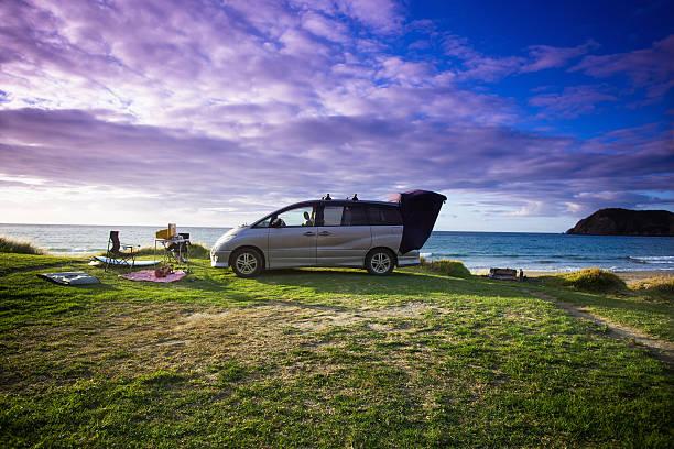 A beachfront campsite on the Coromandel:スマホ壁紙(壁紙.com)