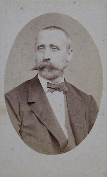 Breast「Man With Mustache And Neck Loop」:写真・画像(5)[壁紙.com]