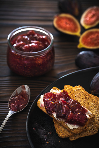 Fig「Figs jam homemade with fig fruits cheese and bread toast slice」:スマホ壁紙(6)