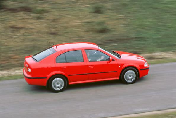 Finance and Economy「2001 Skoda Octavia 1.6i」:写真・画像(18)[壁紙.com]