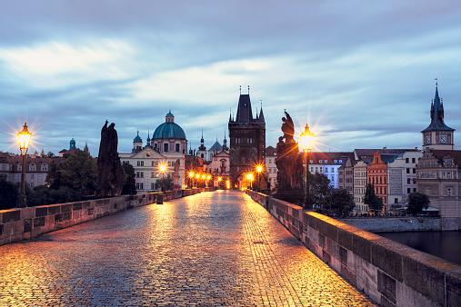 Prague「Czech Republic, Prague, Blue hour at Charles Bridge」:スマホ壁紙(19)