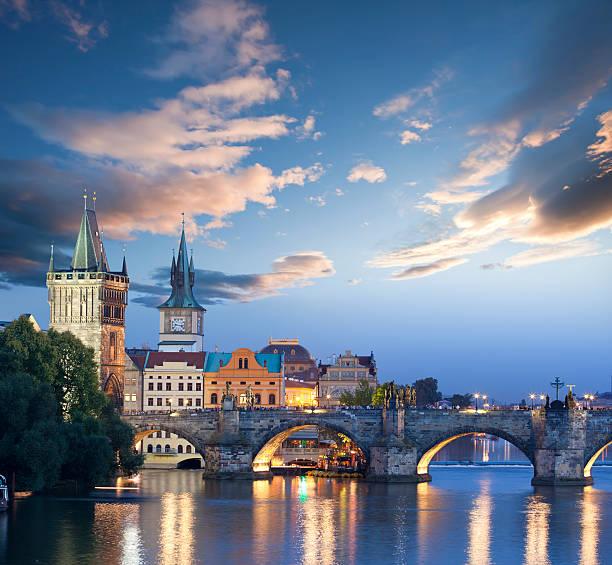 Czech republic prague charles bridge at dawn:スマホ壁紙(壁紙.com)