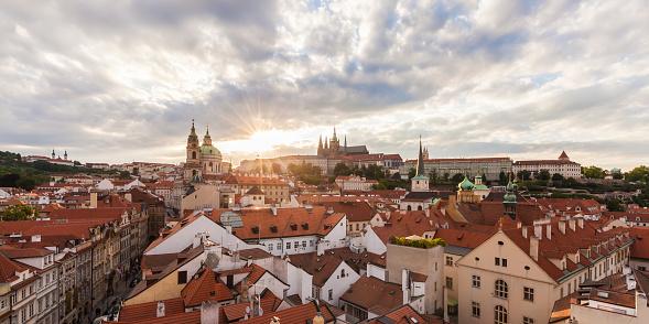Hradcany「Czech Republic, Prague, Mala Strana, cityscape with Hradcany and St. Nicholas' Church」:スマホ壁紙(8)