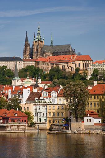 St Vitus's Cathedral「Czech Republic, Prague, Prague Castle, Vltava River, Little Quarter」:スマホ壁紙(19)