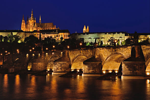 Czech Republic, Prague, Prague Castle, Charles Bridge, night:スマホ壁紙(壁紙.com)