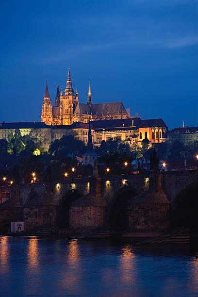 Czech Republic, Prague, Prague Castle, Charles Bridge, night:スマホ壁紙(壁紙.com)