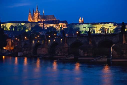 St Vitus's Cathedral「Czech Republic, Prague, Prague Castle, Charles Bridge, night」:スマホ壁紙(0)