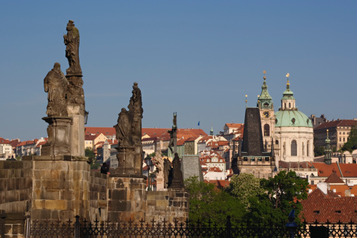 Charles Bridge「Czech Republic, Prague, statue on Charles Bridge」:スマホ壁紙(16)