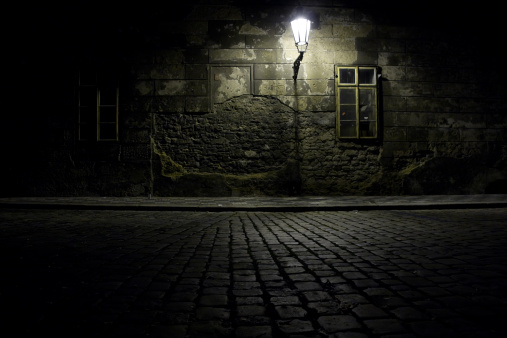 Dirt Road「Czech Republic. Praha. Dark alley.」:スマホ壁紙(11)
