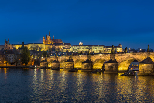 St Vitus's Cathedral「Czech Republic, Prague, Hradcany Castle and St Vitus Cathedral with Vltava River and Charles Bridge」:スマホ壁紙(6)