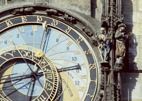 2002「Czech Republic, Prague, Town Hall, astronomical clock face, close-up」:スマホ壁紙(9)