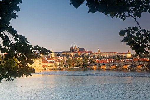 Charles Bridge「Czech Republic, Prague, Old town, Charles Bridge, Prague Castle and St. Vitus Cathedral」:スマホ壁紙(7)