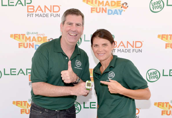 Women's Soccer「Mia Hamm And LeapFrog Attempt To Become GUINNESS WORLD RECORDS Record Holders In Celebration Of The launch Of The New LeapBand Activity Tracker For Kids At The First-Ever Fit Made Fun Day」:写真・画像(7)[壁紙.com]