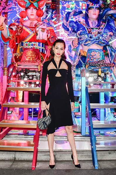 Kiko Mizuhara「Welcome Dinner At Robot Restaurant for Dior」:写真・画像(8)[壁紙.com]