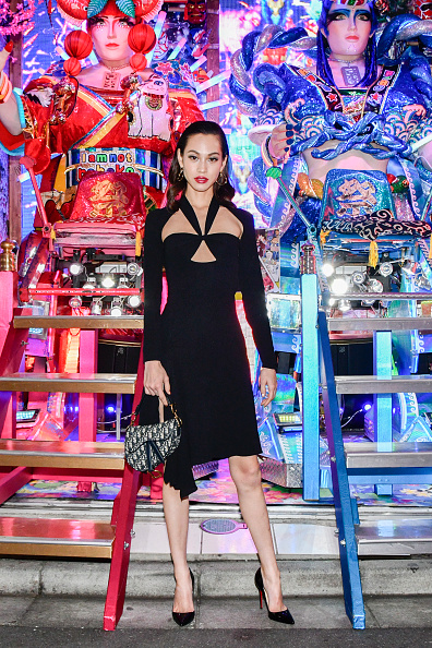 Kiko Mizuhara「Welcome Dinner At Robot Restaurant for Dior」:写真・画像(4)[壁紙.com]