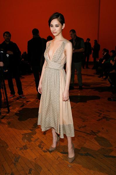 Kiko Mizuhara「Marc By Marc Jacobs - Front Row & Backstage - Fall 2011 Mercedes-Benz Fashion Week」:写真・画像(6)[壁紙.com]