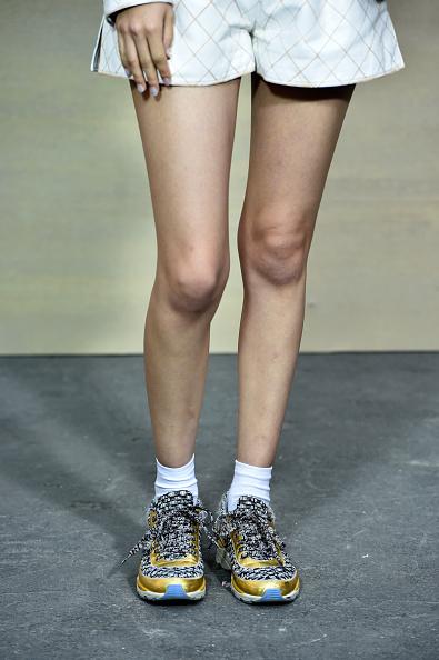 Kiko Mizuhara「Chanel : Front Row  - Paris Fashion Week Womenswear Spring/Summer 2015」:写真・画像(10)[壁紙.com]