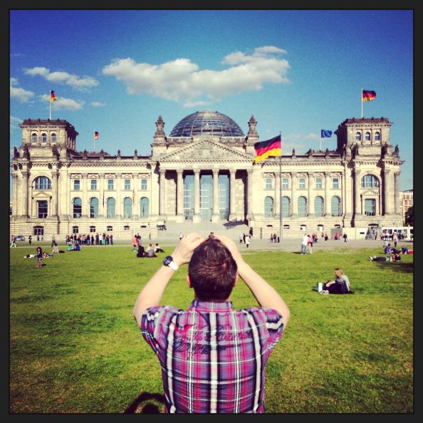Tourist「The Reichstag: An Alternative View」:写真・画像(19)[壁紙.com]