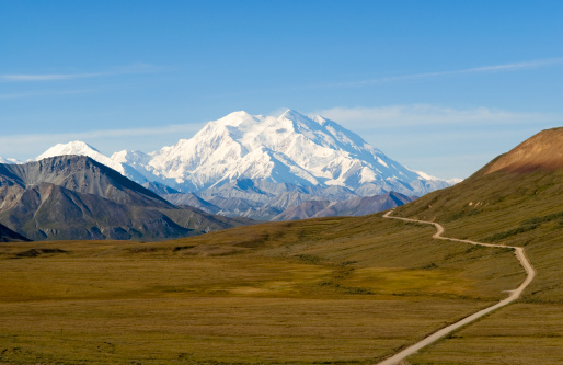 Awe「Path to Beautiful Mount McKinley in Alaska」:スマホ壁紙(2)