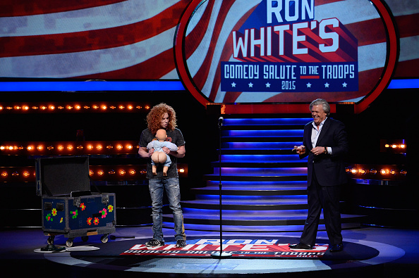 Comedian「Ron White Tapes His Annual Comedy Salute To The Troops To Air On CMT Later This Year」:写真・画像(18)[壁紙.com]