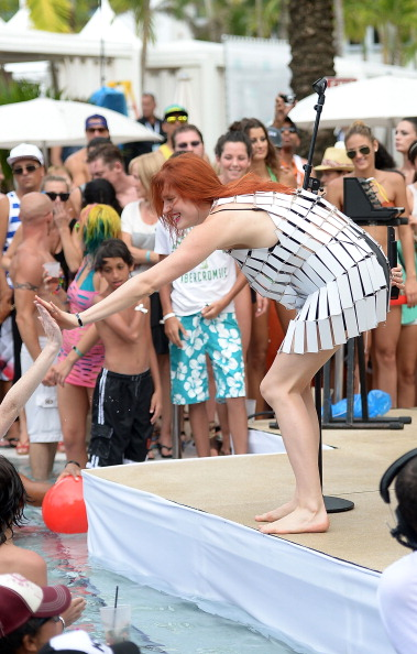 Gustavo Caballero「iHeartRadio Ultimate Pool Party Presented By VISIT FLORIDA At Fontainebleau's BleauLive - Pool Stage Show」:写真・画像(2)[壁紙.com]