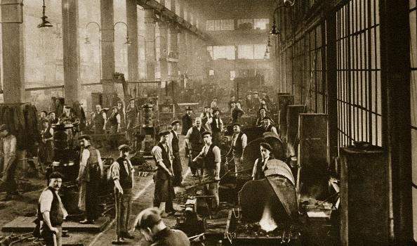 Industry「A Blacksmith's Shop At Beckton Gas Works London 20th Century」:写真・画像(15)[壁紙.com]