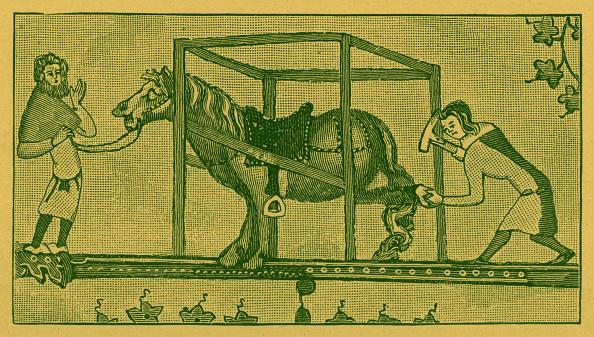 Circa 14th Century「Blacksmiths fixing horse shoes」:写真・画像(13)[壁紙.com]
