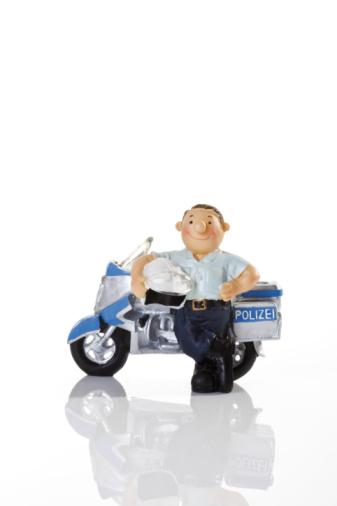 Motorcycle「Plastic Figurine of a Policeman」:スマホ壁紙(2)