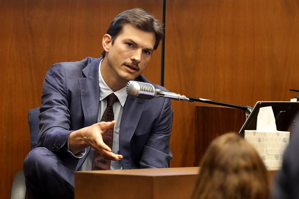 Ashton Kutcher「Ashton Kutcher Testifies In Trial Of Serial Killer Michael Gargiulo」:写真・画像(18)[壁紙.com]