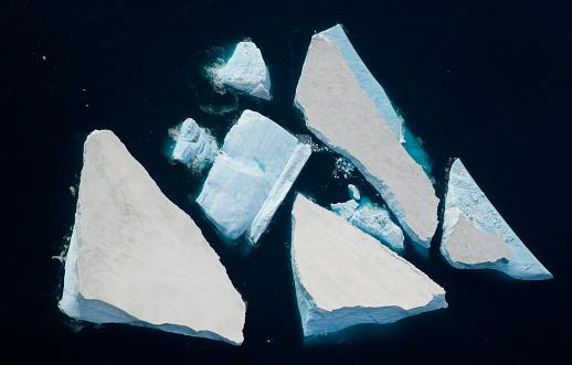 Southern Atlantic Islands「South Georgia, Annenkov Island, icebergs at sea, aerial view」:スマホ壁紙(17)