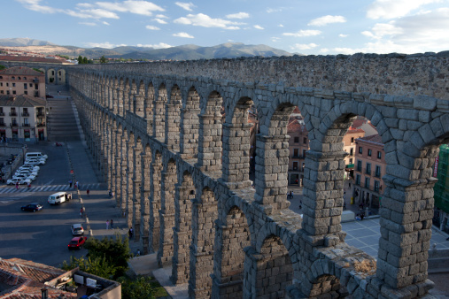 海外旅行「Roman Aqueduct in Segovia spain」:スマホ壁紙(16)