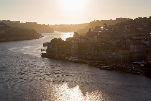 Sunset「The Ribera riverside area of Porto」:スマホ壁紙(10)