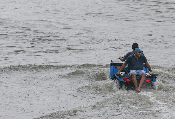 The Natural World「Tropical Storm Imelda Brings Heavy Flooding To Houston Area」:写真・画像(1)[壁紙.com]